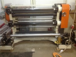 Machine for cut and rewind rolls of foil, PP, PE, paper and other materials