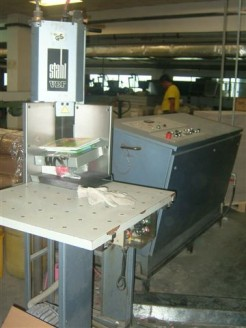 Corner Cutting Machine (EKS 400) Stahl